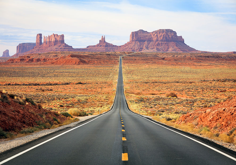 ROAD TRIPS - MONUMENT VALLEY